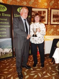 Llew Thomas recieves the Roseland Cup on behalf of J & R Twose from Gill Adams.JPG