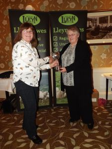 AGM 2016 - Gill Adams receives the Barnard Cup from Nia Williams.JPG