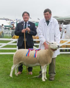 GYS 2019 - Overall Champion with judge David Alexander.jpg