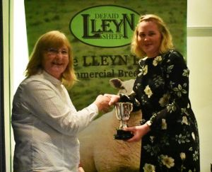 AGM 2019 - Gill Adams presents teh Roseland Cup to Bethan Klinkenberg on behalf of RHS Turner.JPG